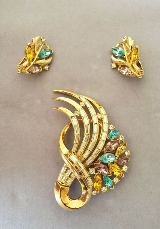Beautiful Crown Trifari colorful rhinestone brooch & earrings Alfred Philippe?