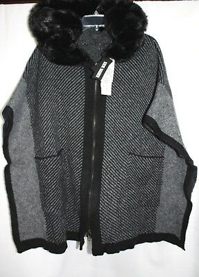 Steve Madden Poncho/Cardigan/cape with Faux fur hood Black/Gray OSFM](Black Cape With Hood)