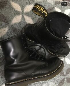 Women's Classic Leather 1460 8-Eye Boot Dr. Martens
