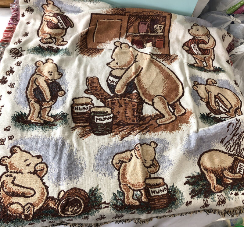 Vtg Disney Classic Winnie the Pooh Fringed Cotton Tapestry Throw Blanket