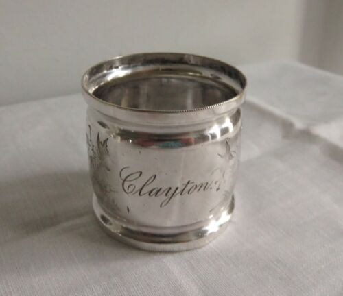 ANTIQUE SILVERPLATE WIDE NAPKIN RING DOVES AND FLOWERS ENGRAVED CLAYTON