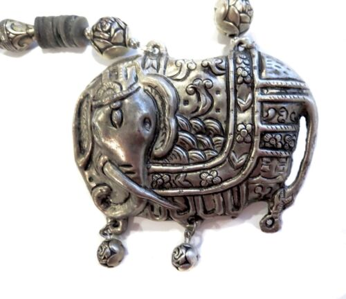ELEPHANT Necklace SILVER ANTIQUE Chinese
