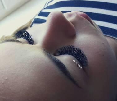 Eyelash extensions services