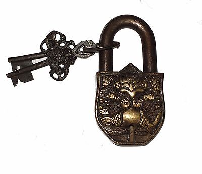 A Unusual  Brass made DEITY GARUDA FIGURE PADLOCK with 2 keys from India