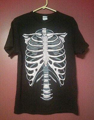 Chiropractor Halloween (Spine Ribs Black Medium T-Shirt Chiropractor)