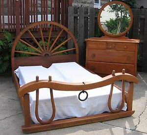 Virginia-House-Vintage-Maple-Bedroom-Set-Covered-Wagon-Western-Theme