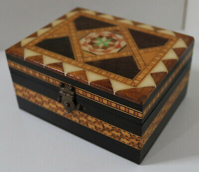 VINTAGE HAND MADE MARQUETRY MOP WOODEN BOX ANTIQUE JEWELLERY CARVED CHEST 19