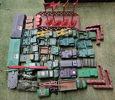 assortiment véhicules militaire seconde guerre mondiale et accessoires divers