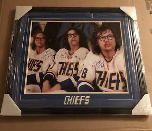 HOCKEY MIVIE LEGENDS THE CHEIFS AUTOGRAPH PHOTO WITH COA