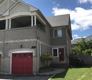 Full 3 Bedroom home for lease I'm the heart of Mississauga.