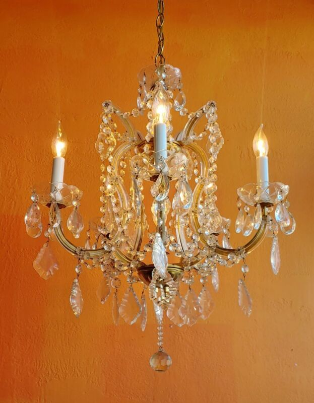 ANTIQUE 5 ARMS 6 LIGHTS CRYSTAL GLASS CHANDELIER MARIA THERESA Lots of  CRYSTALS
