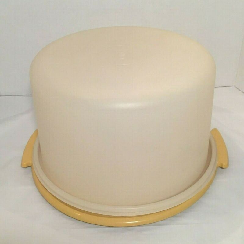 "Vintage Tupperware 10"" Cake Taker Keeper Harvest Yellow # 683-5 / 684-5"