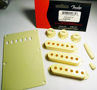 Genuine Fender Stratocaster Accessory Kit Back Plate, Knobs, Covers - Aged White, used for sale  Shipping to Nigeria