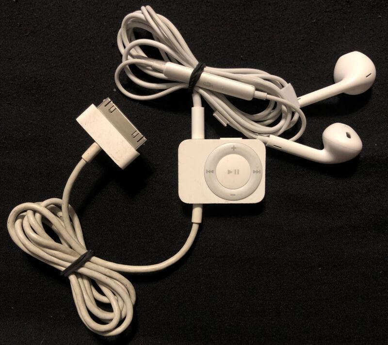 Apple iPod FM Radio Tuner A1187 + Apple Ear Buds