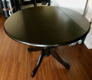 Round convertible Kitchen Table - must go this weekend