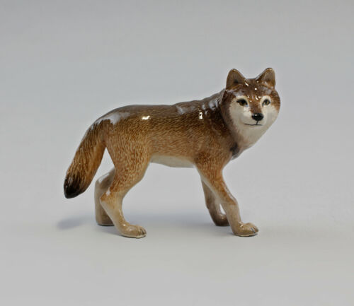 9982096 Porcelain Figurine Wolf Standing True to Nature 2 3/8x3in