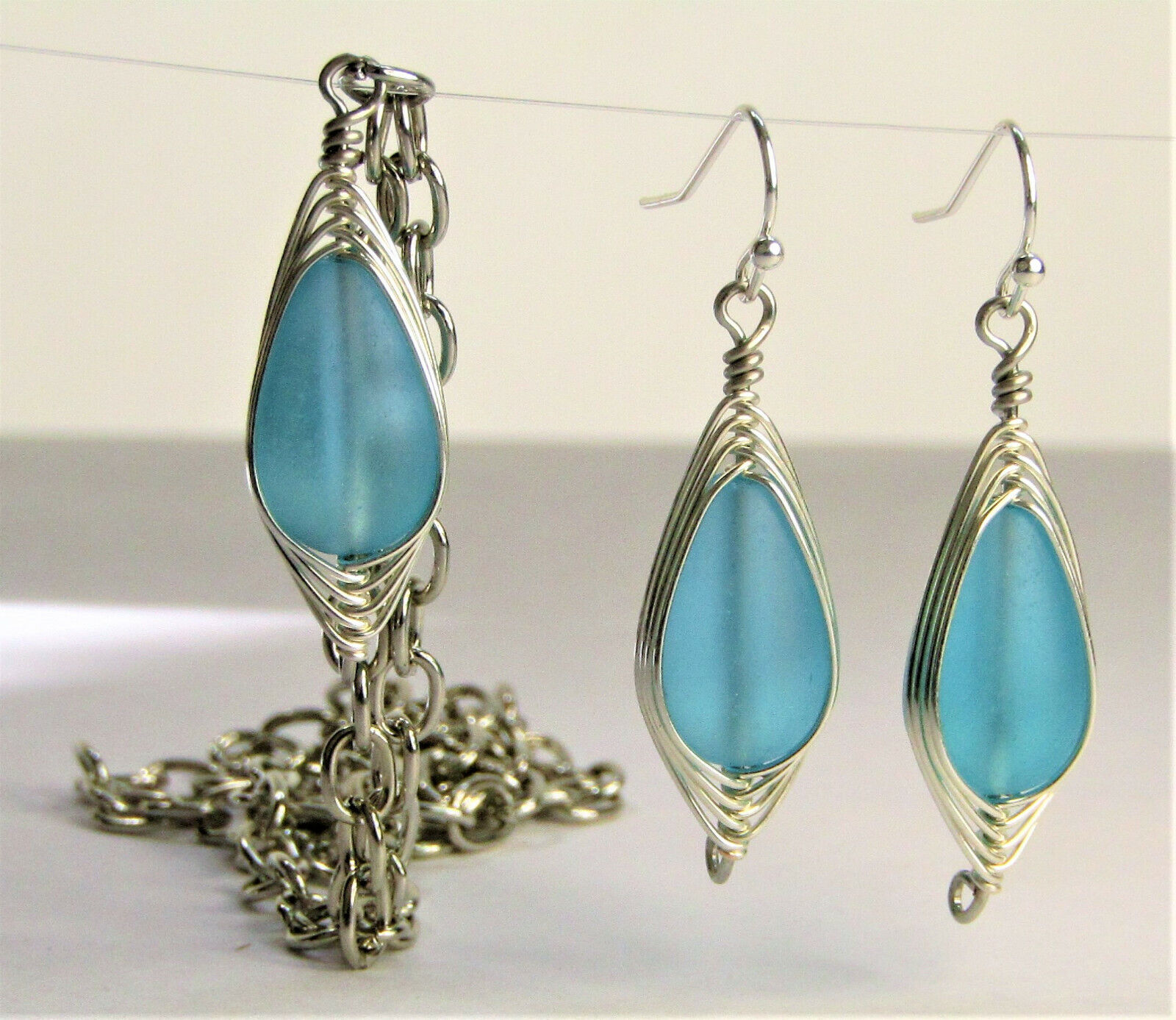 SEA GLASS Teardrop Caribbean Blue Weave Wire SILVER Dangle Earring Necklace Set