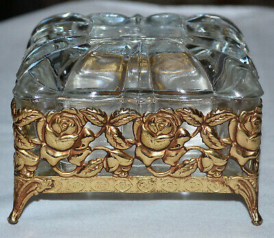 Vintage Gold Tone Metal Trinket Butterfly Glass Top Approx 4 inches tall and wide