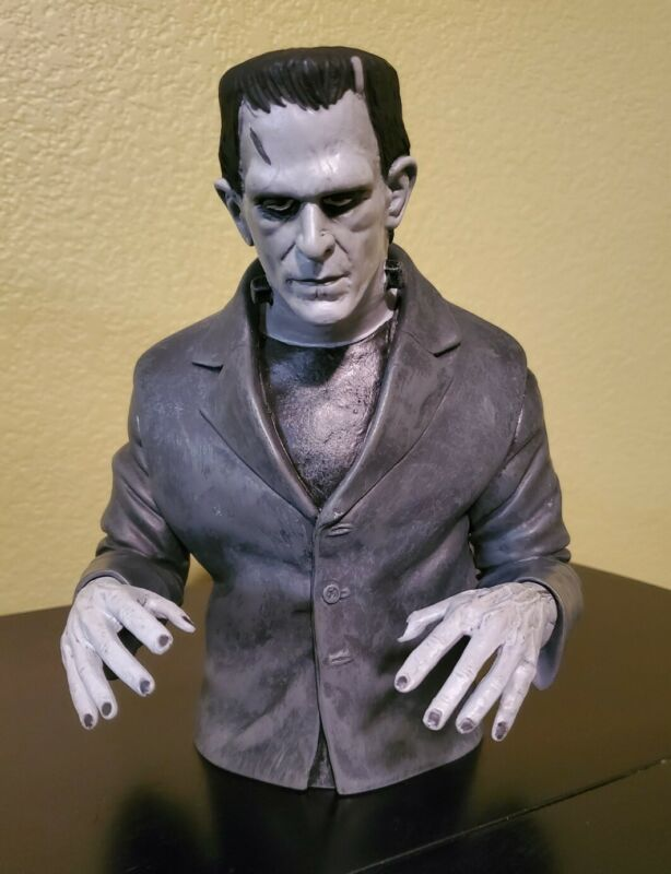 Frankenstein Black & White Bust Bank - Diamond Select - Universal Monsters