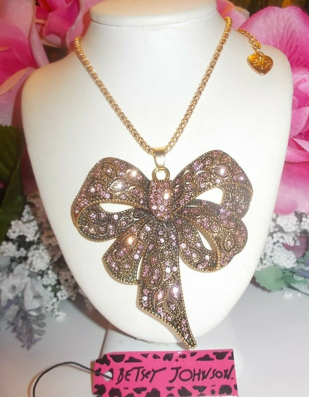 BETSEY JOHNSON LOVELY LARGE PINK CRYSTAL INLAY BOW  PENDANT