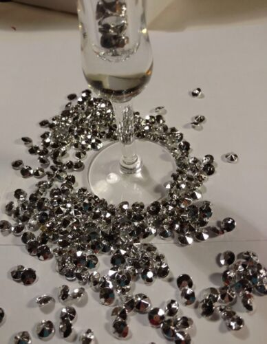200 PCS  8mm Diamond Shape Vase Filler Silver. Add some blin