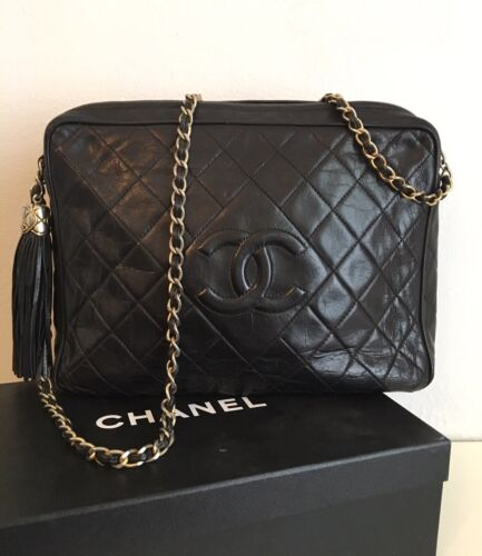 """CLASSIC VINTAGE RUNWAY """" QUILTED """" BAG PURSE – CHANEL"""