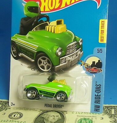 Hot Wheels 2015 HW RIDE-ONS PEDAL DRIVER Pedal Car  BEST FOR TRACK