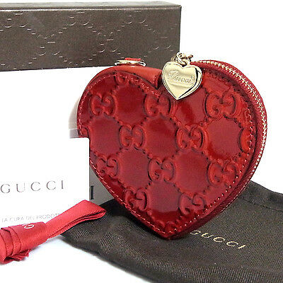 Auth Gucci Heart Motif Zip around Coin Purse Red Patent Leather Italy Good in Bo