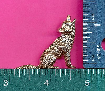 lead free pewter coyote figurine D4021