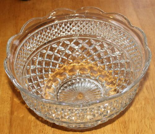"Anchor Hocking WEXFORD LARGE FRUIT BOWL - 10"" SCALLOPED EDGE  VGUC 1962-1998"