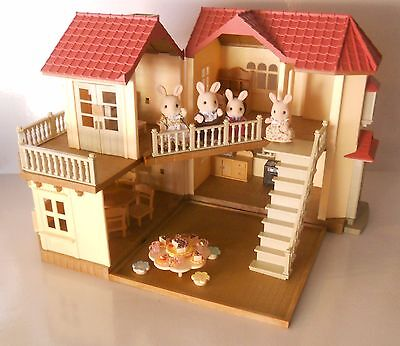 SYLVANIAN FAMILIES BEECHWOOD HALL & MILK RABBIT FAMILY PLUS FURNITURE. NO BOXES