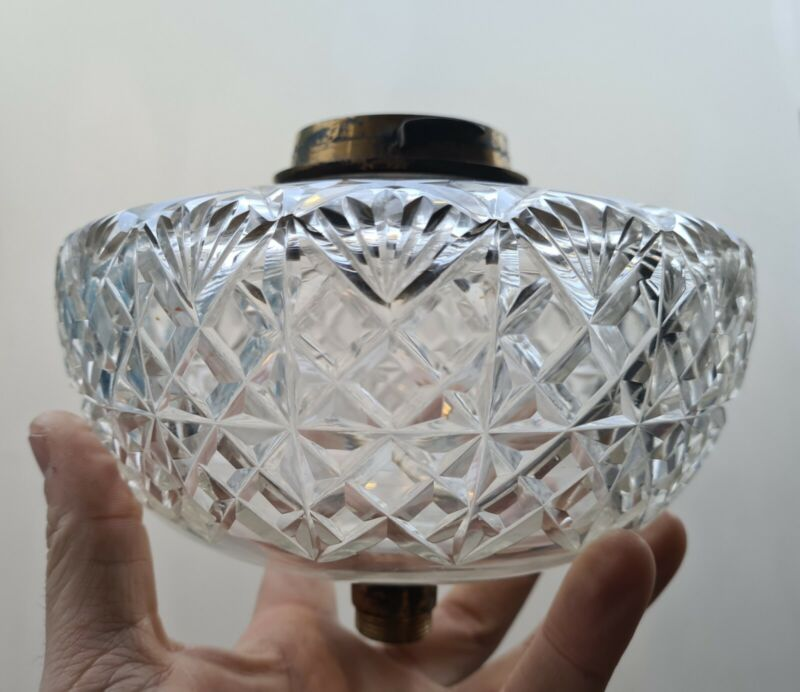 Original Messenger Deep Cut Glass Oil Lamp font