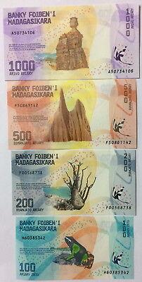 MADAGASCAR SET 4 PCS 100 200 500 1000 ARIARY 2017 P NEW FAMILY DESIGN UNC