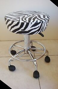 Beauty Stool Gas Lift / Spa Massage Hair Care Salon Furniture Beauty Equipment