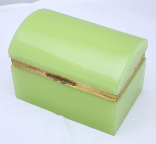 APPLE GREEN OPALINE BOX WITH BRONZE TRIM