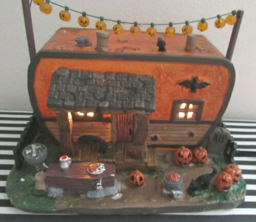 Lemax Spooky Town Lighted Creepy Camper - LN In Box