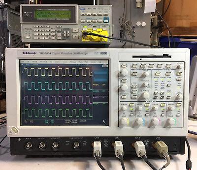 TEKTRONIX TDS7054 DPO Oscilloscope 4CH 500MHz 5GS/s XP, SSD 3M SM J2 USB CP2 PW3
