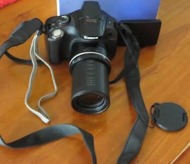 Canon PowerShot SX40 HS Digital CAMERA - Takes great PHOTOS!