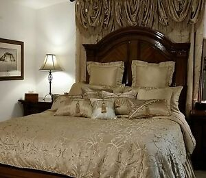 NEW Luxury WATERFORD LINENS LYNATH King Comforter Set, Light Gold