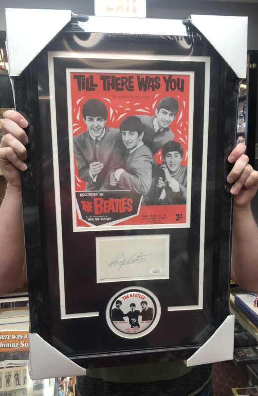 RARE BEATLES RINGO STARR SIGNED AUTOGRAPH Index Card NEW FRAME! w/photo, button