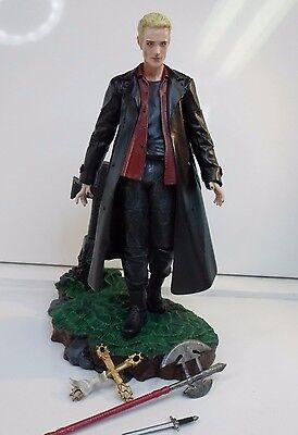 Actionfigur Spike aus Buffy und Angel , Figur von Clayburn Moore, Vampir