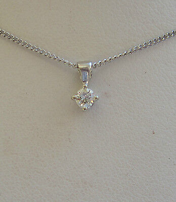 New 1/5ct Diamond Solitaire 9ct White Gold Pendant Necklace & 18 inch Gold Chain