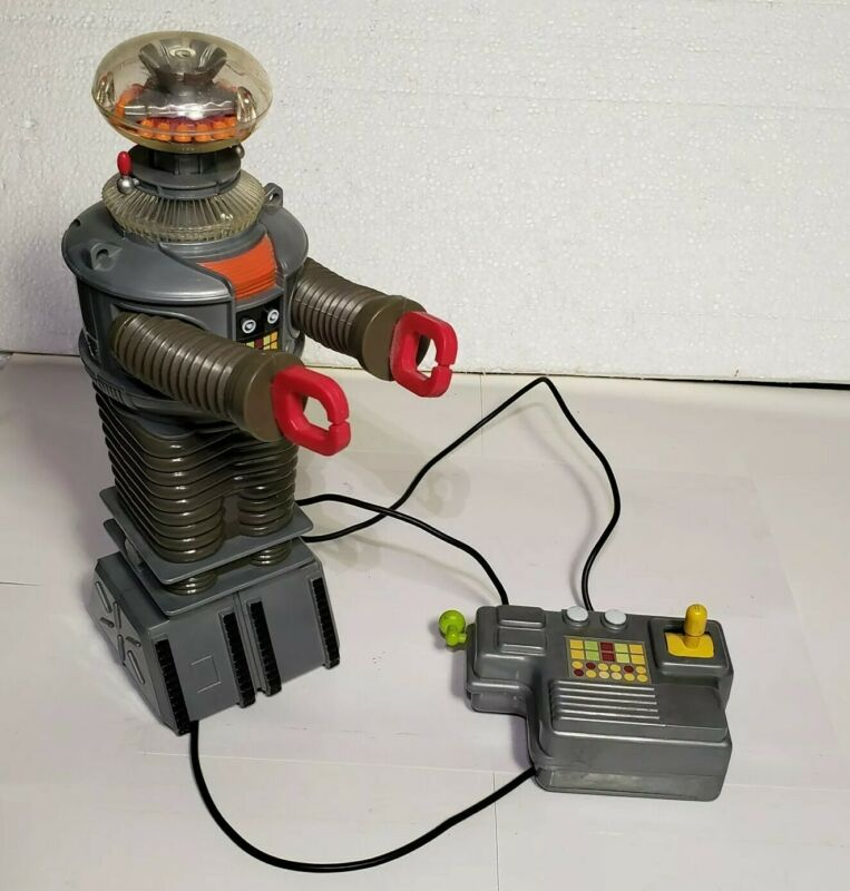 Lost in Space  TOY ISLAND MFG. 1998 .remote control ROBOT