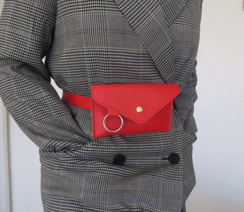 Sac style pochette banane rouge neuve