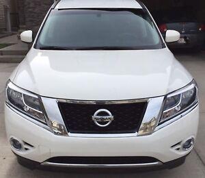 2014 Nissan Pathfinder SL $21500 obo