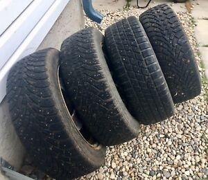 ***SET OF 4 205/55R16 STUDDED WINTER TIRES***
