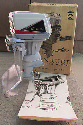 1960 Evinrude Starflite II 75 HP Toy Outboard Boat Motor w Box Paper Runs Rare