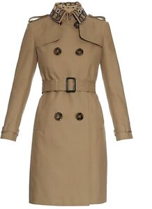 Burberry made-in-Italy trench coat classic excellent condition