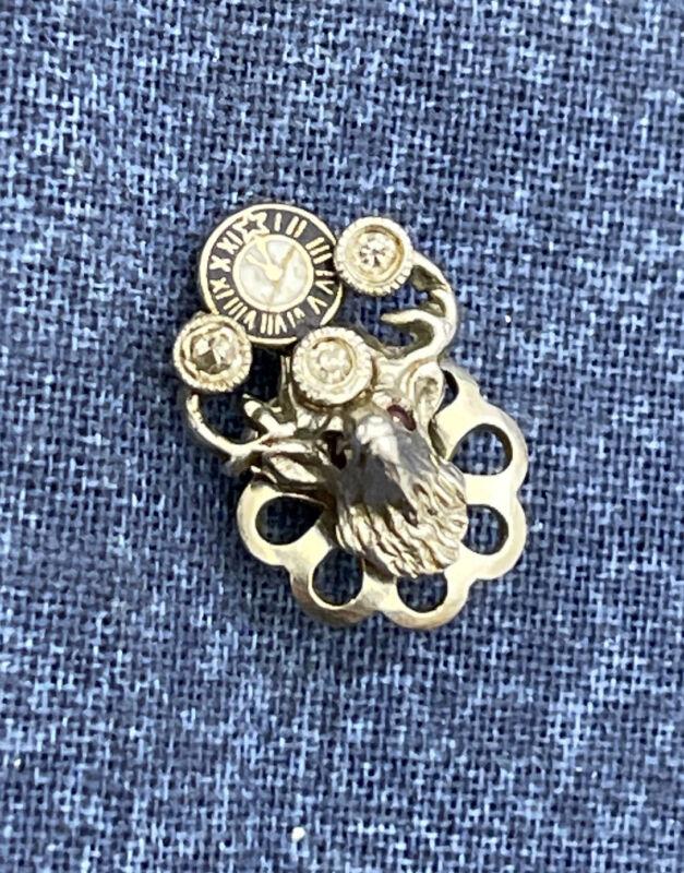 vintage platinum elks club pin w 3 diamonds Z736