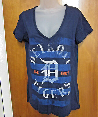 9583ba77 DETROIT TIGERS women's lrg T shirt sexy V-neck baseball tee stencil logo  1901